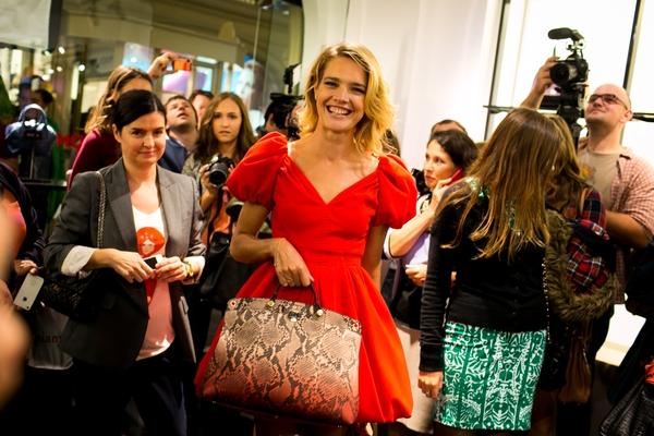 Natalia Vodianova ze swoją torebką Furla (FOTO)