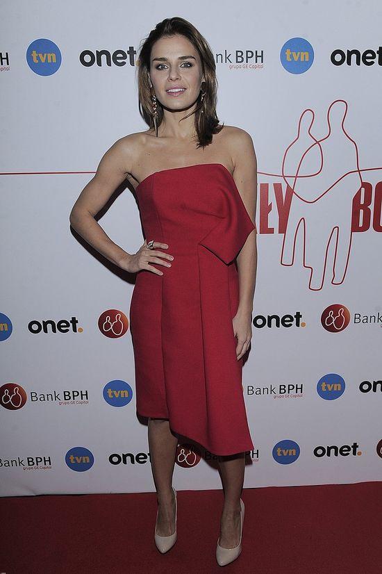 Natasza Urbańska w czerwonej sukience (FOTO)