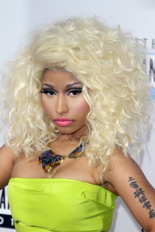 Nicki Minaj powrót do natury (FOTO)