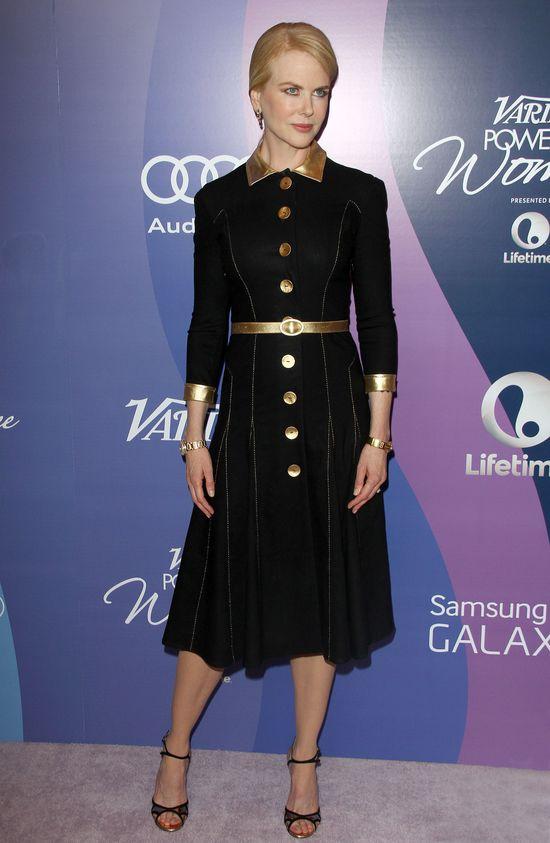 Nicole Kidman postawiła na szmizjerkę (FOTO)