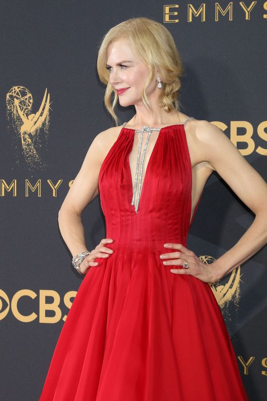 Zakochacie się w tej czerwonej sukni Nicole Kidman z gali EMMY 2017
