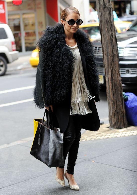 Nicole Richie w futrze (FOTO)