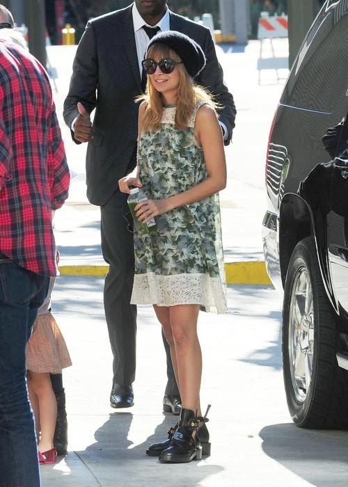 Nicole Richie odważnie łączy style (FOTO)