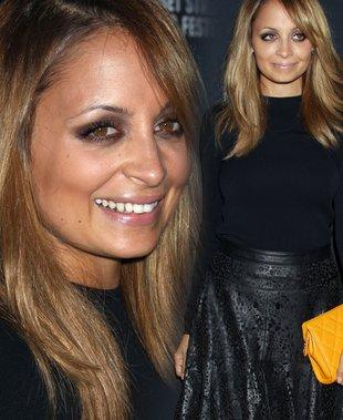 Nicole Richie w spódnicy własnego projektu (FOTO)