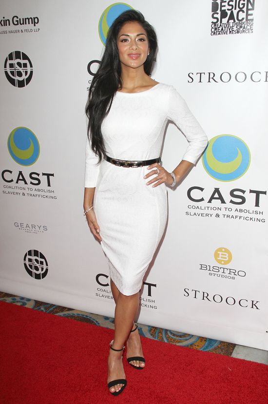 Nicole Scherzinger podkresliła figurę małą białą