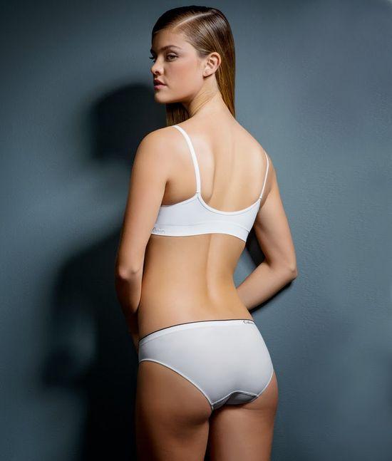 Nina Agdal w kampanii bielizny Calvin Klein
