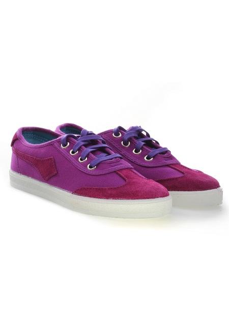 Przegląd butów w neonowych kolorach