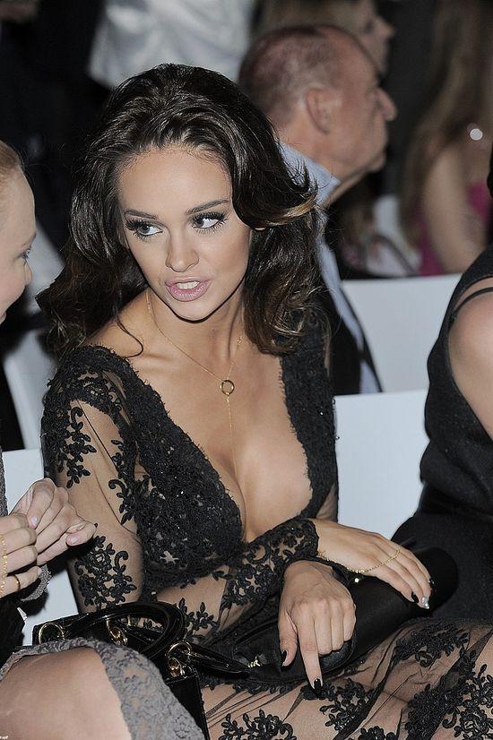 Najbardziej wulgarna (?) kreacja gali Playboya? (FOTO)
