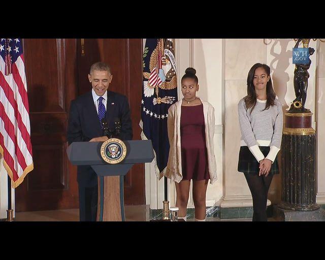 Córki Baracka Obamy ubrane nieodpowiednio? [VIDEO]