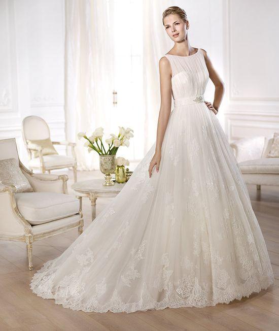 Ślubny przegląd - wyjątkowe suknie Pronovias (FOTO)