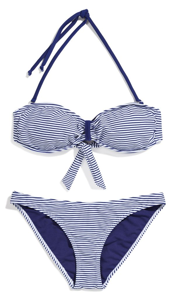Kostiumy kąpielowe i letnie dodatki w nowej kolekcji Sinsay
