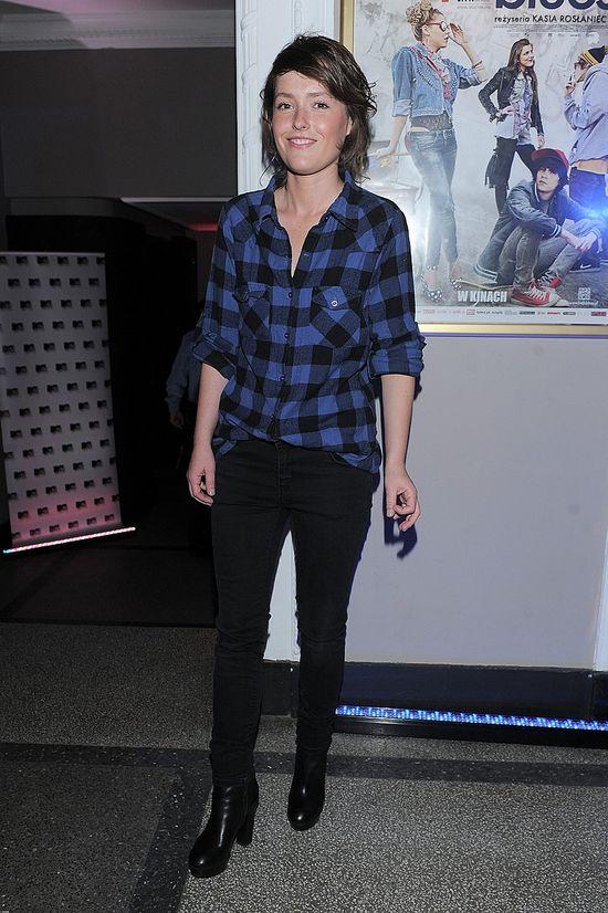 Olga Frycz w koszuli w kratę (FOTO)