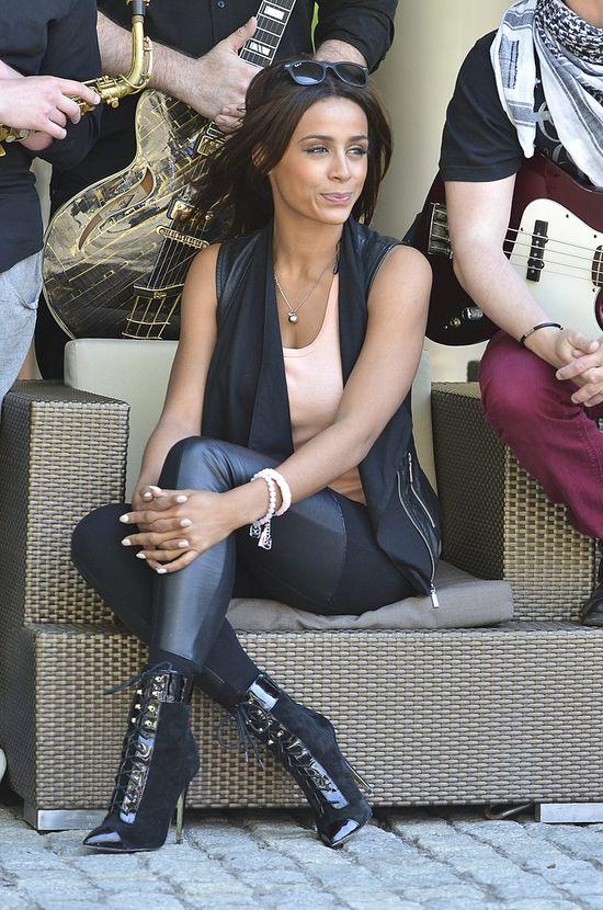 Aleksandra Szwed w botkach Versace