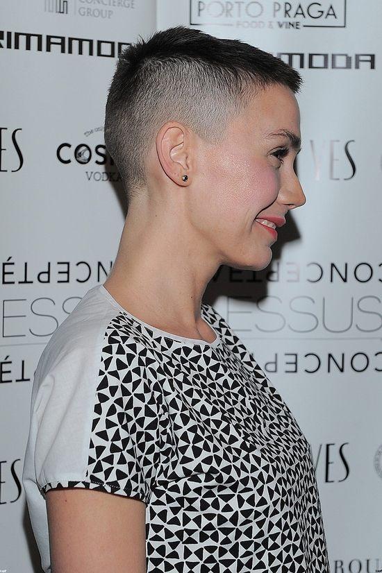 Olga Bołądź włosy