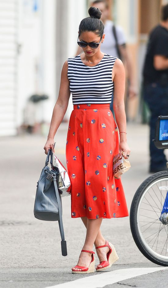 Olivia Munn w retro stylizacji (FOTO)