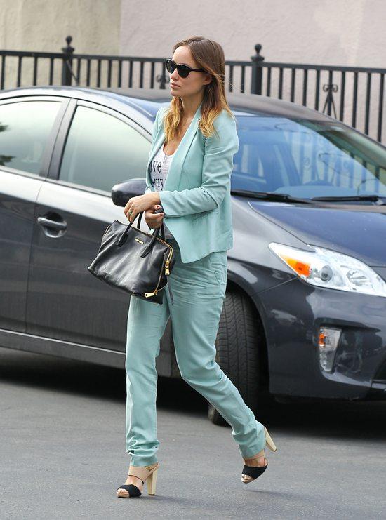 Olivia Wilde w pastelowym garniturze (FOTO)
