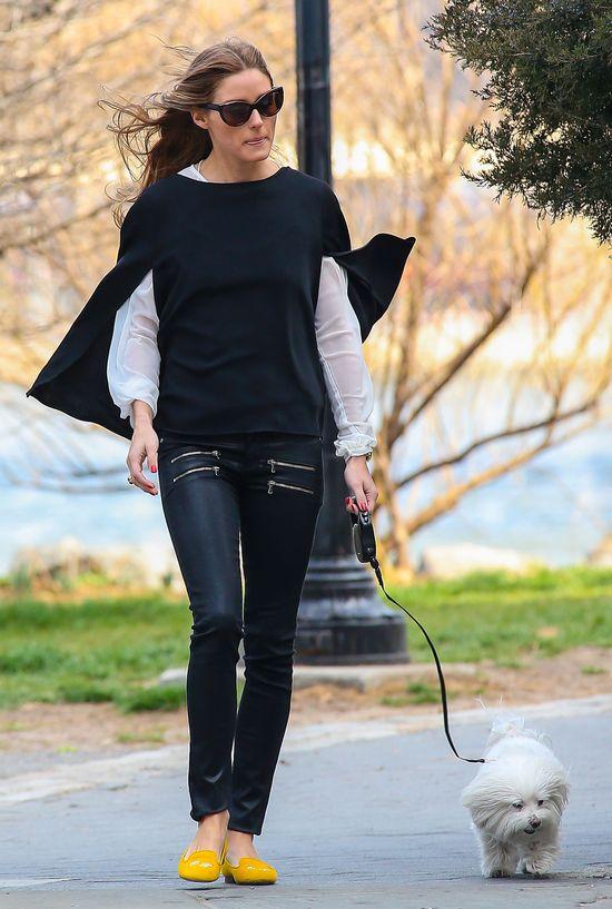 Olivia Palermo w logowanych butach