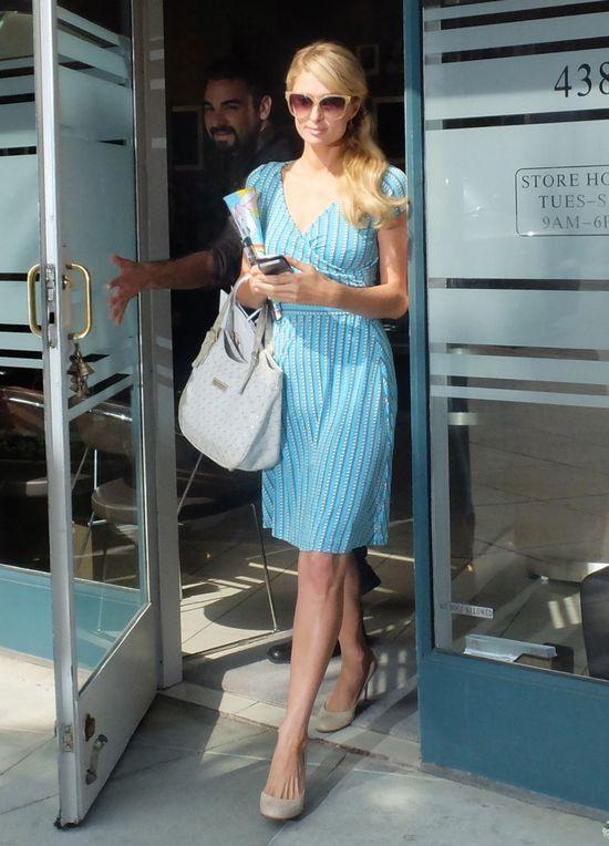 Paris Hilton w letniej sukience