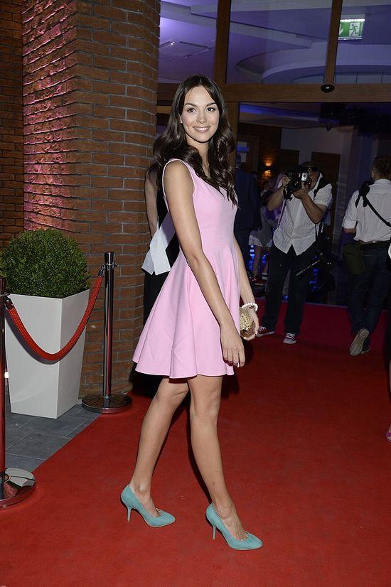 Paulina Krupińska w różowej mini (FOTO)
