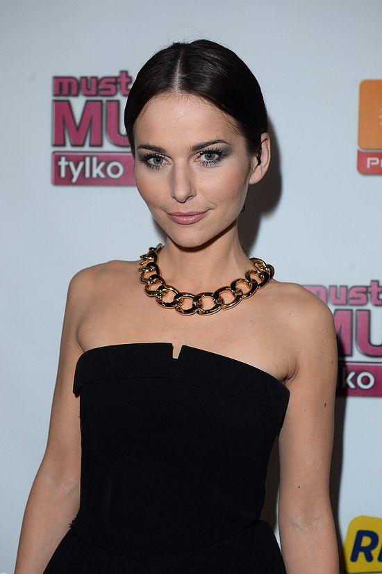 Paulina Sykut w czarnej sukience