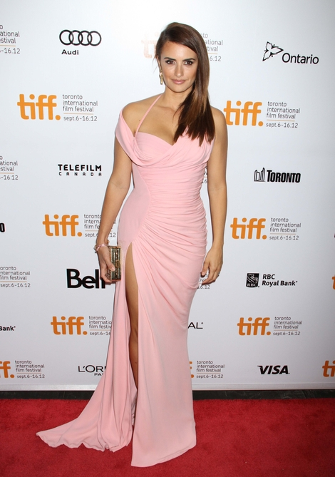 Penelope Cruz w Versace (FOTO)