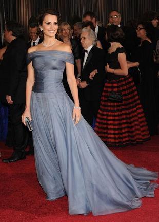 Penelope Cruz w kreacji Giorgio Armani