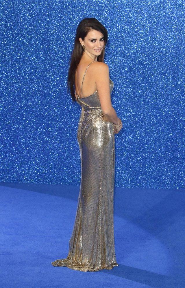 Penelope Cruz zachwyciła w Versace (FOTO)