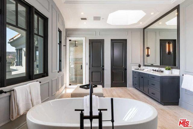 WOW! Musicie zobaczyć luksusową willę, w której mieszka Kylie Jenner! (FOTO)