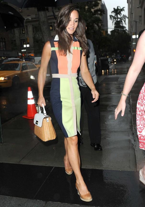 Pippa Middleton w kolorowej sukience