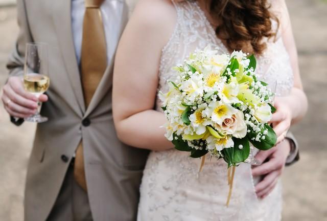 Suknia ślubna dla puszystej - jaka powinna być?