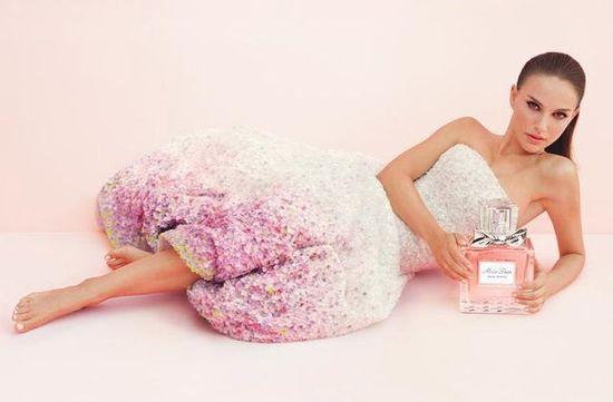 Natalie Portman w kampanii Miss Dior Cherie Perfume (FOTO)