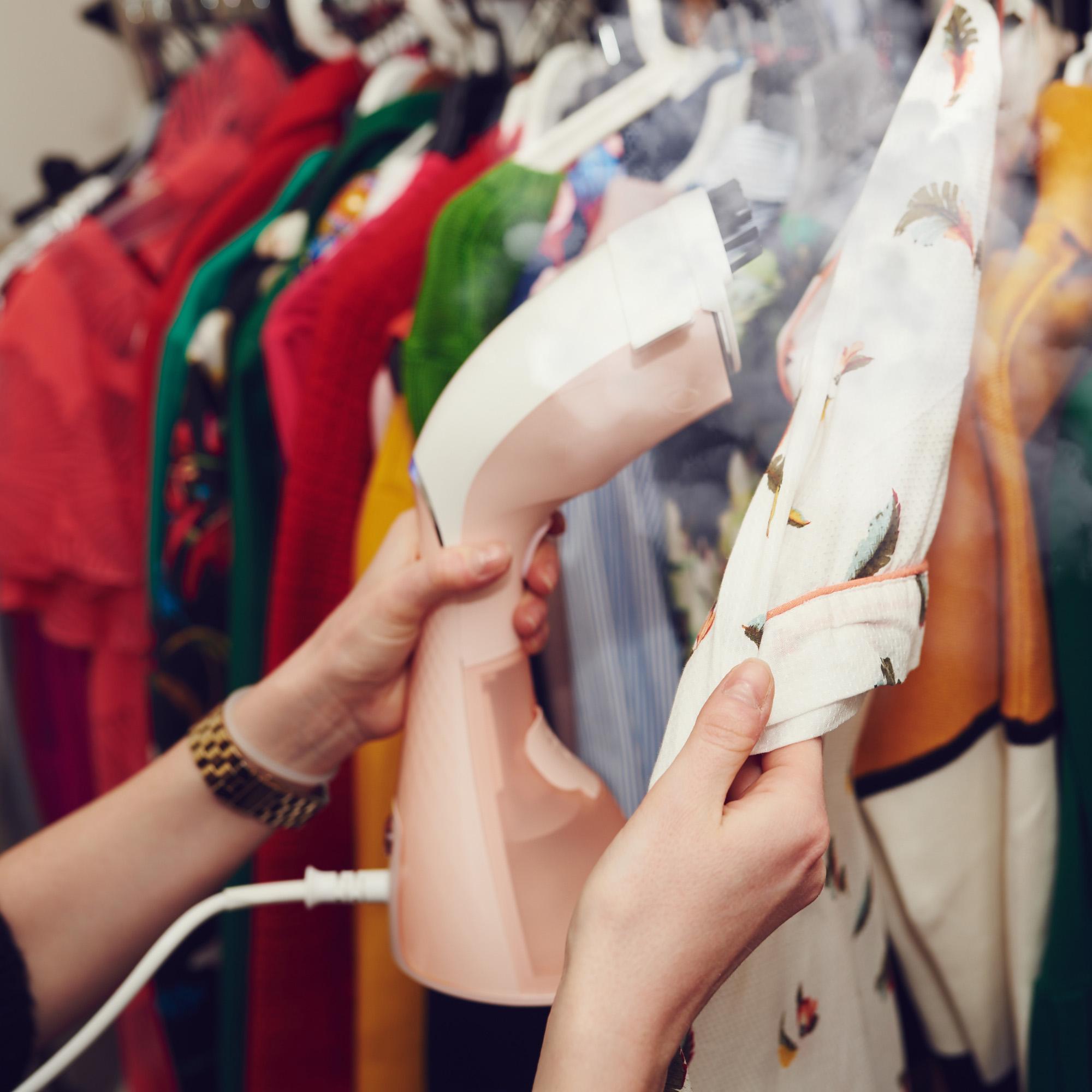 Idealna kreacja na karnawał? Oto 10 modnych wieczorowych sukienek i...