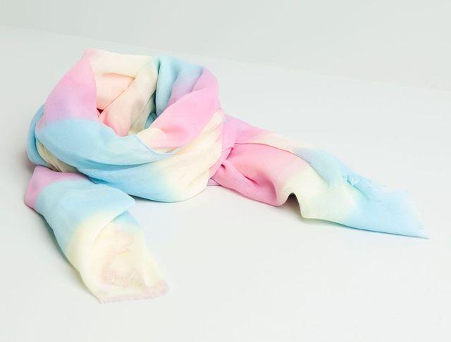Pull&Bear - kolorowe dodatki na wiosnę (FOTO)