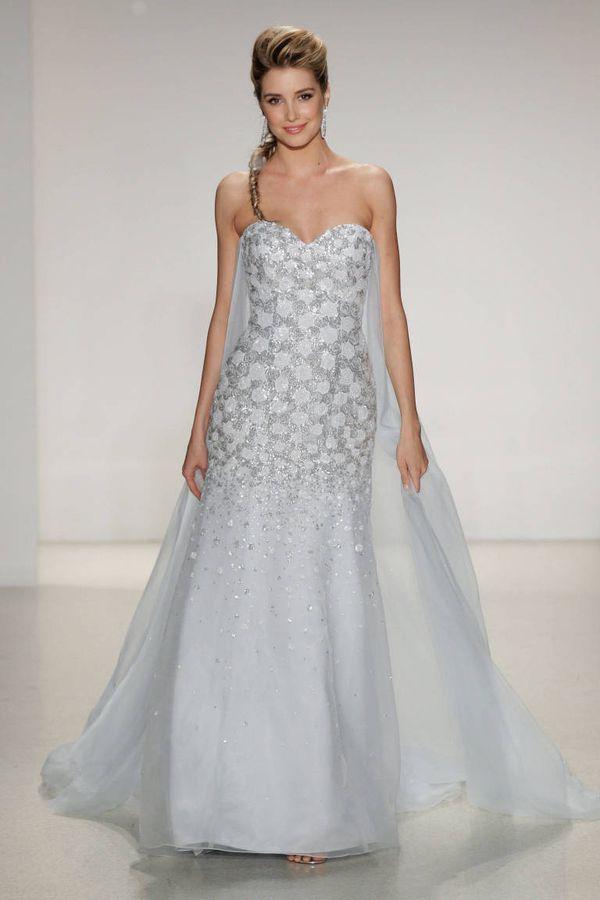 Suknia ślubna inspirowana postacią Elsy z Krainy Lodu (FOTO)