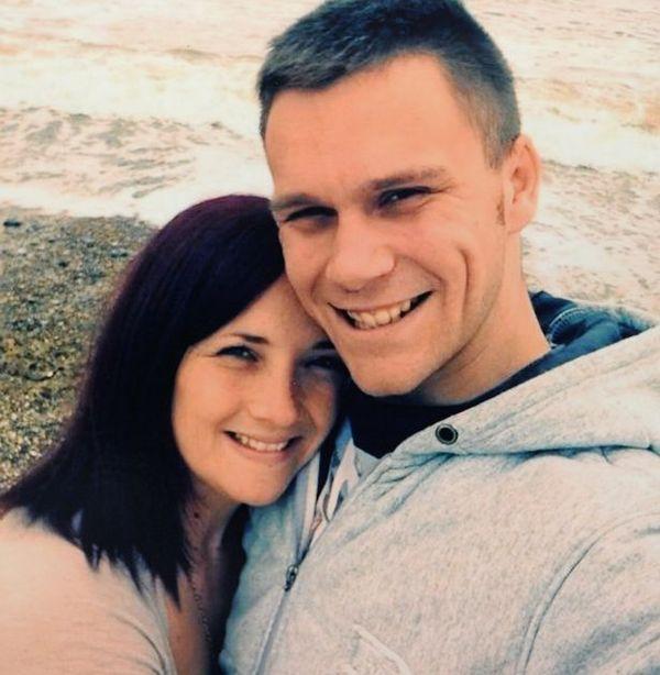 27-latka umiera na raka przez wizyty w solarium (FOTO)