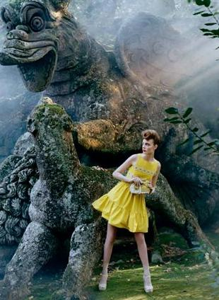 Red by Valentino - kampania reklamowa na wiosnę 2012