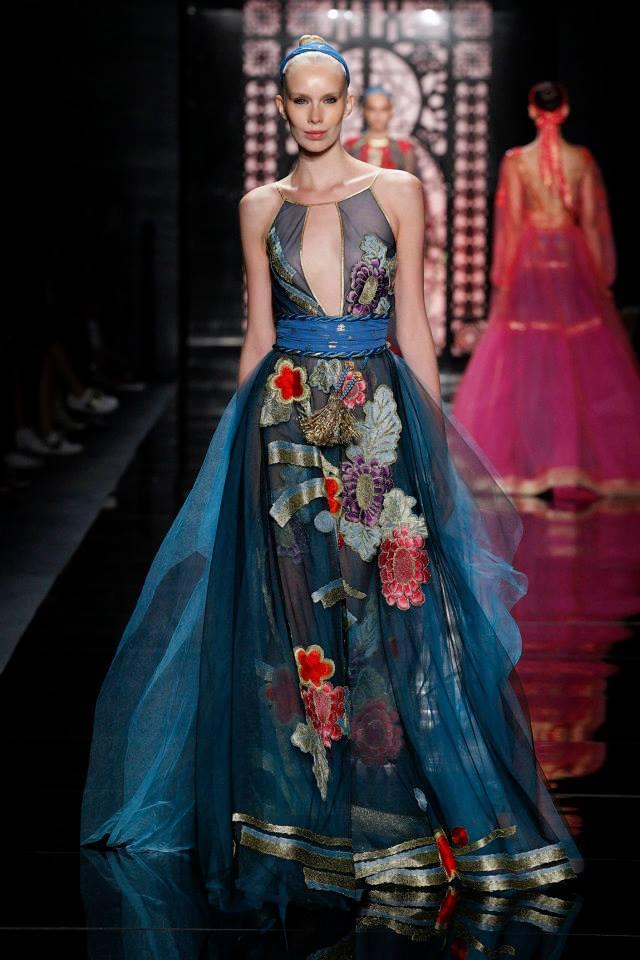 Zapierająca dech w piersiach wiosenna kolekcja Reem Acra