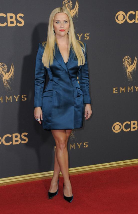 Najlepsze stylizacje gwiazd  z czerwonego dywanu Emmy 2017 (FOTO)
