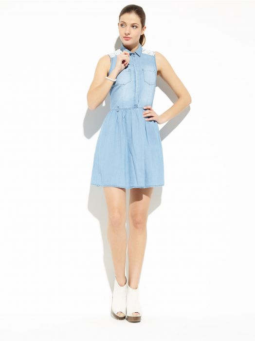 Modne tej wiosny - sukienki jeansowe (FOTO)