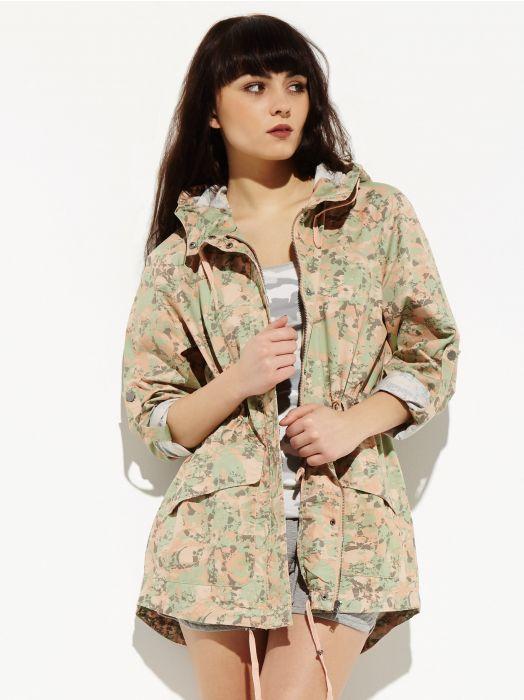 Przegląd wiosennych trendów - wzorzyste kurtki i żakiety