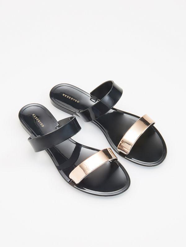 Klapki, czyli buty, które chcemy nosić tego lata! [PRZEGLĄD]