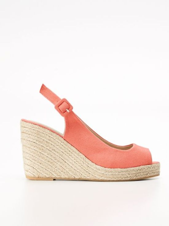 Modne buty na lato - koturny (FOTO)