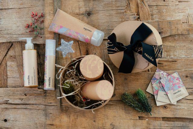 Pomysły na prezenty świateczne - Świetne zestawy kosmetyczne w różnych wydaniach