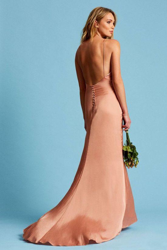 Czarujące suknie ślubne w stylu boho od Revolve (FOTO)