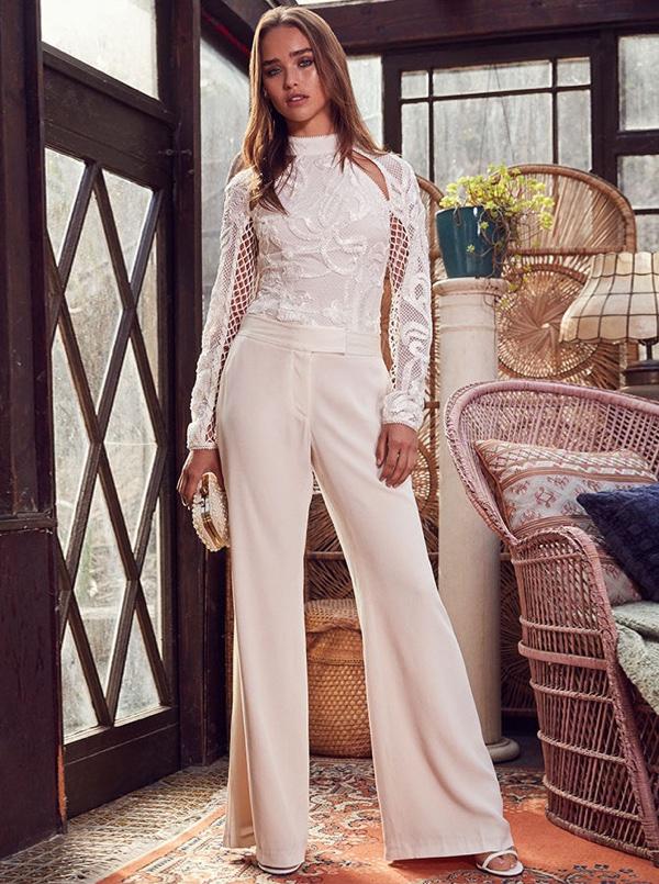 Suknie ślubne na 2017 rok od Revolve, jakich nie widziałyście! (FOTO)