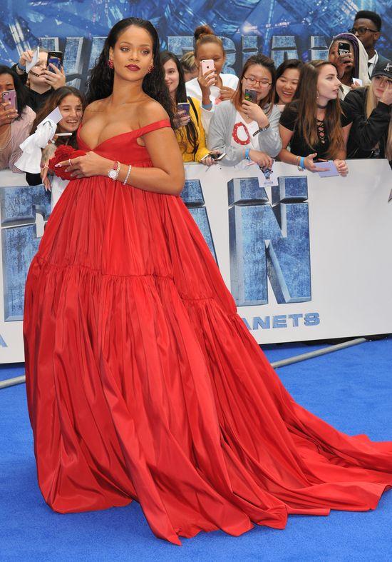 Rihanna nie wytrzymała! Nową stylizacją postanowiła COŚ udowodnić...