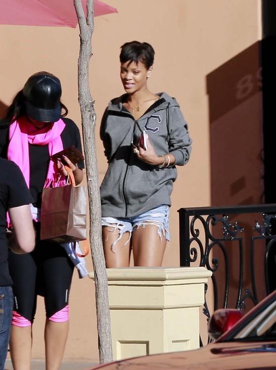 Rihanna na luzie (FOTO)