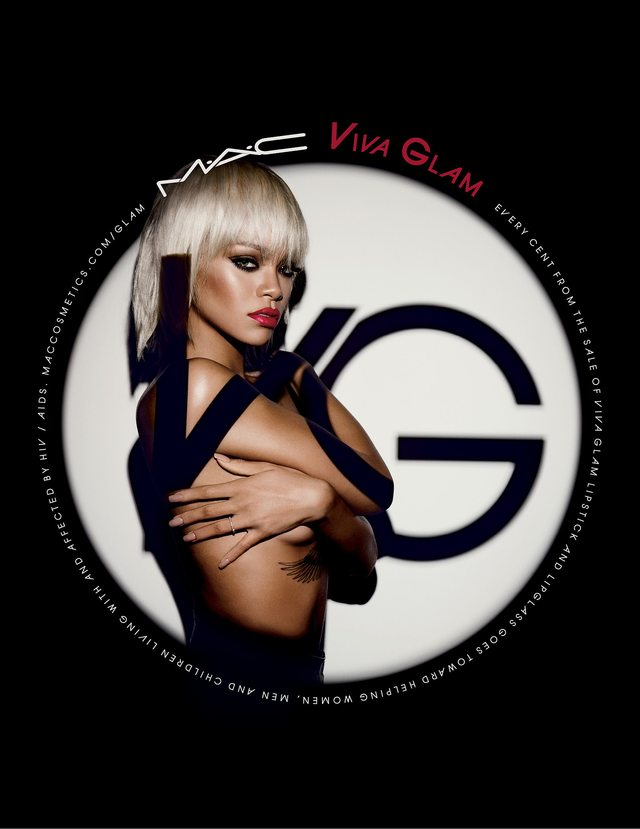 Blond Rihanna ponownie w kampanii MAC