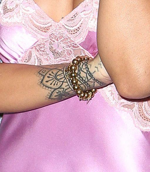Rihanna nosi biżuterię polskiej marki! (FOTO)