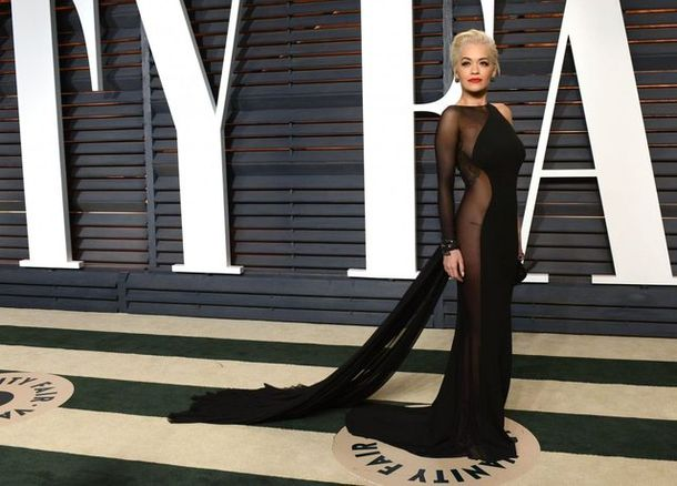 Kreacje gwiazd na Vanity Fair Oscar Viewing Party (FOTO)
